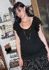 Laura Poantă  în vizită _ http://laurapoanta.ro/Poze/carti/laura_cu_bluza_super_1.JPG